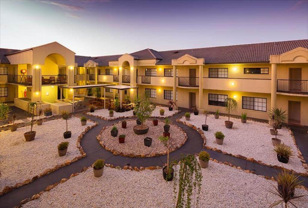 Parklands Hotel And Apartment