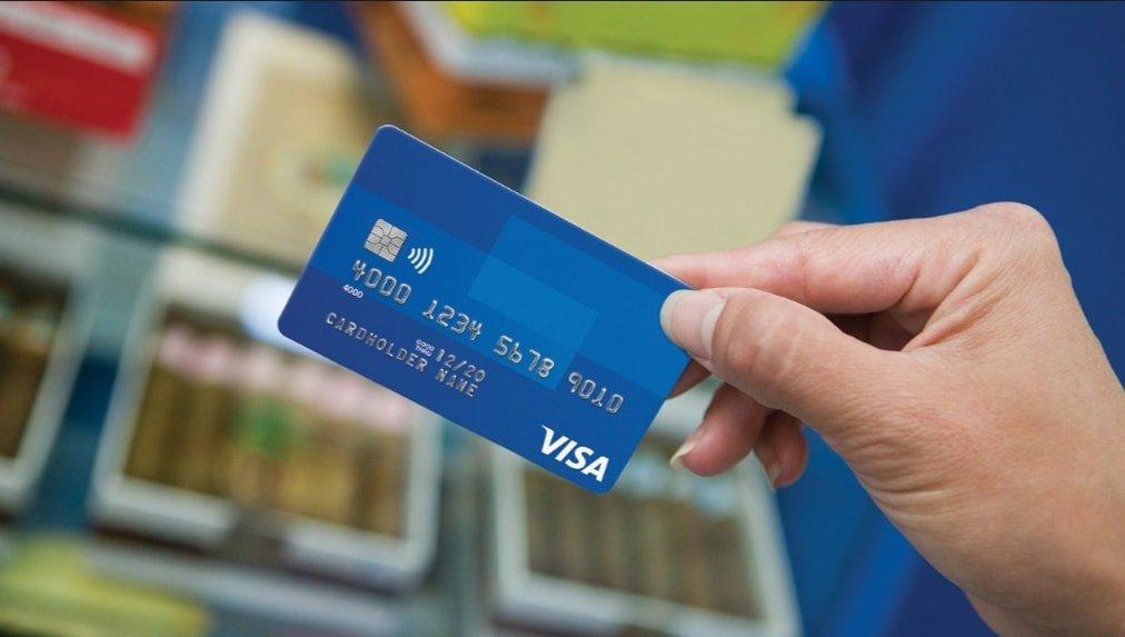 giao dịch qua thẻ ngân hàng